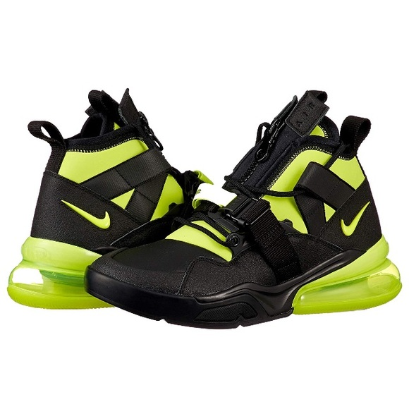 premium selection 479b2 ed458 Nike Air Max 270 Utility